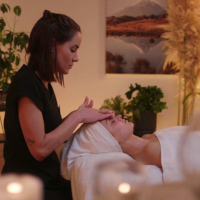 Relaxation Massage & Manuka Honey Facial Queenstown - Body